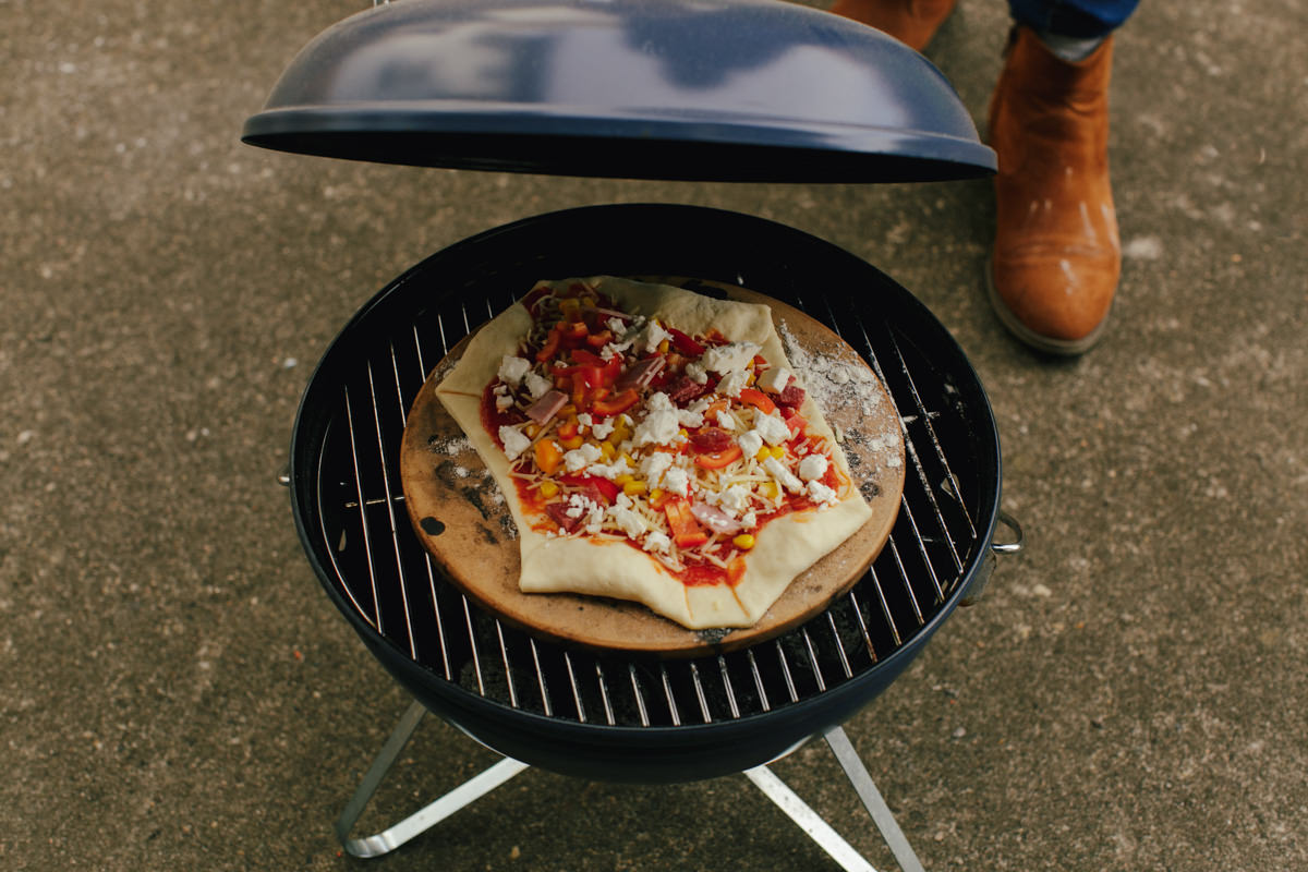 0003 pizza auf dem grill reise und fotografieblog. Black Bedroom Furniture Sets. Home Design Ideas